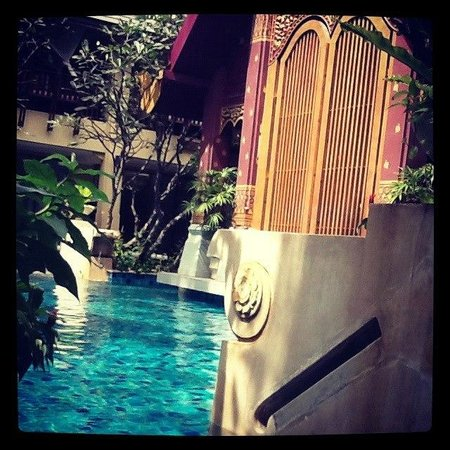Burasari Resort: Pool access from our room