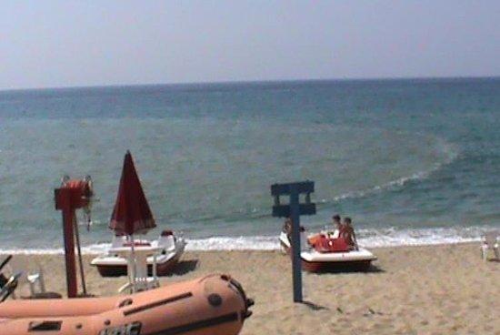 Marina Nicotera, Italie : L'inquinamento del mare...