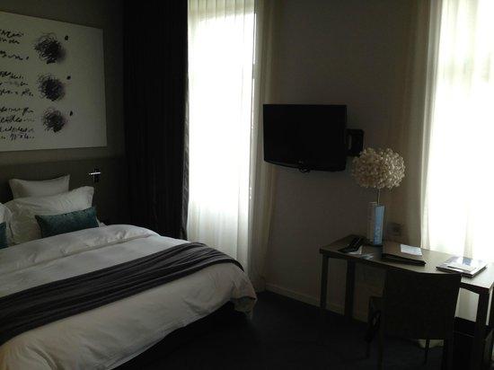 Hotel Cubo: Room