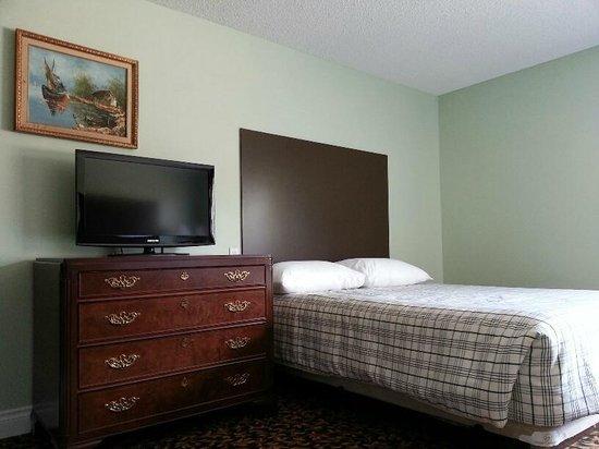 Cloud 9 Inn: Room 3