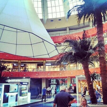 Тбилиси, Грузия: mall