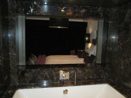 Blythswood Square: Window between Bath & Bedroom