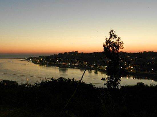 Ibis Porto Gaia: Vista do hotel para a cidade do Porto
