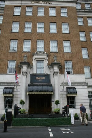 Birmingham Marriott Hotel: hotel main entrance