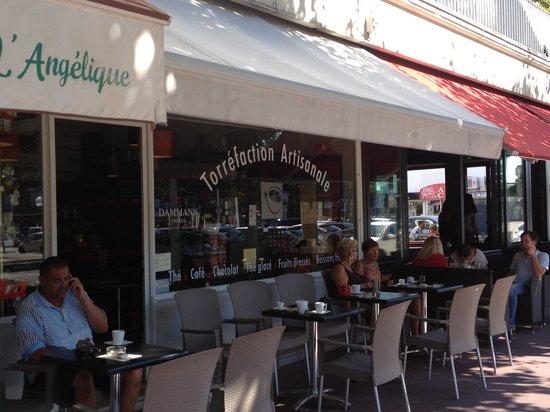 Art the cafe : L'extérieur