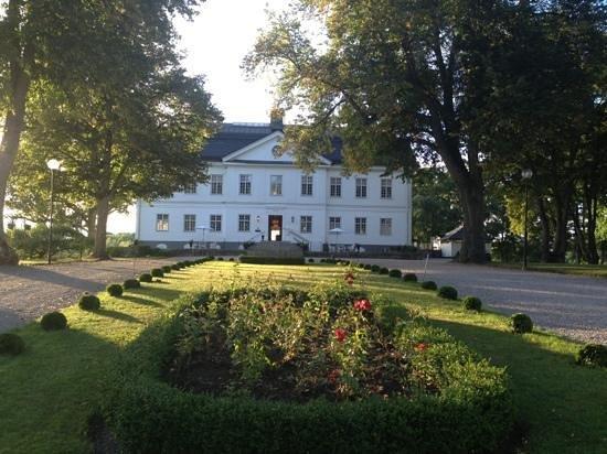 Yxtaholm Slott: Yxtaholm vid 18-tiden den 4 september 2013