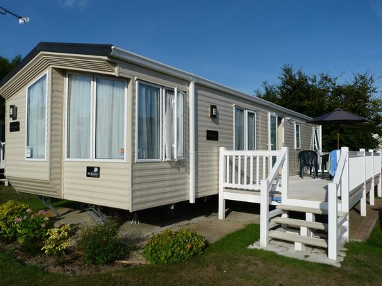 Cherry Tree Holiday Park: Our Van with sun terrace