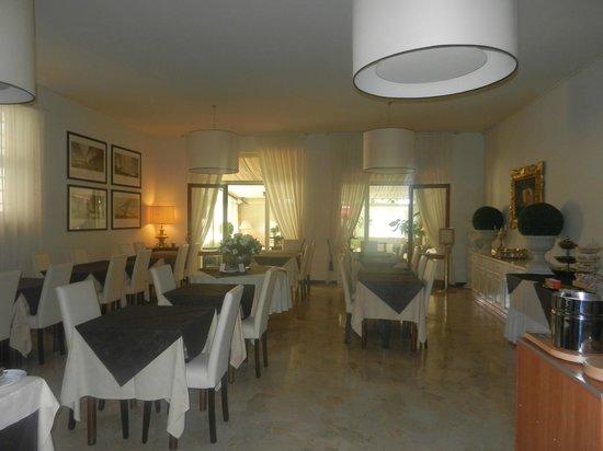 Hotel Ancora Riviera : Speisesaal, hinterhalb Wintergarten
