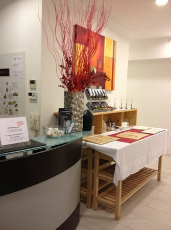 Pension a und a: Lobby desk and breakfast table