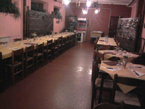 Pizzeria La Vigna: Saletta