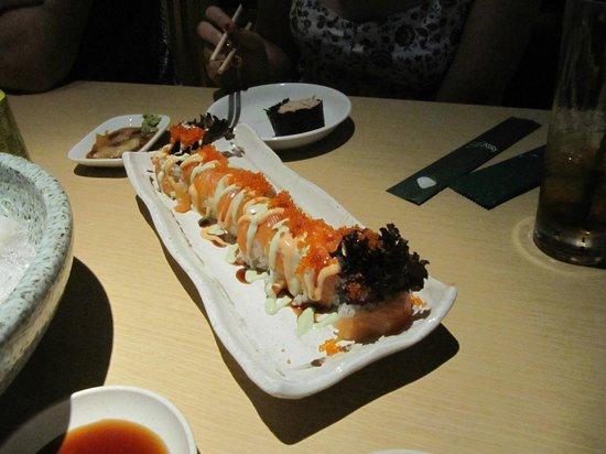 Sushi Tei - VivoCity: Dai-dai roll - delicious.