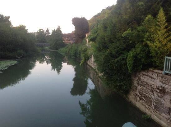 le moulin des connelles : tranquil setting