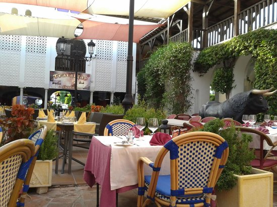 Italian Restaurant Villa Paradiso : General View 2