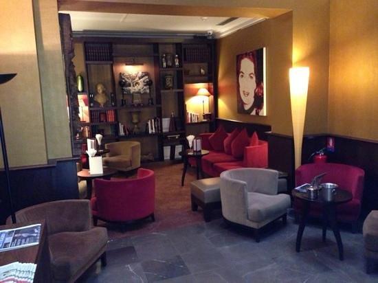 Hotel Montfleuri: hotel lobby