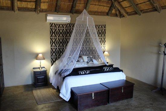 Umkumbe Safari Lodge: Bedroom