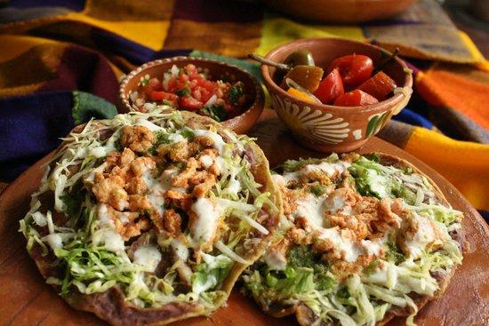 Taco Loco: Tostadas mexicanas