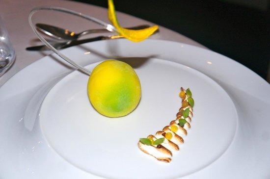 Chateau de la Chevre d'Or: Lemon Meringue pie par excellence