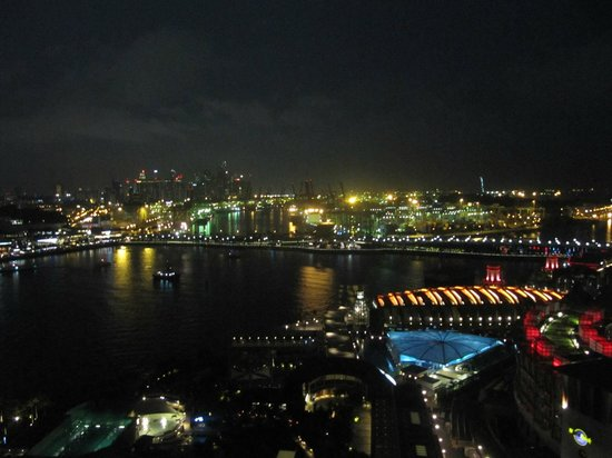 A view from the cable car at night. - Picture of Singapore ...