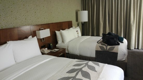 DoubleTree by Hilton Hotel South Bend : Beds