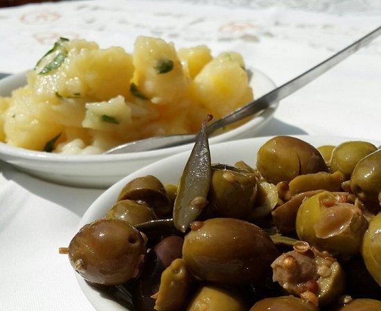 The Vine Leaf Tavern : potato salad and cyprus olives