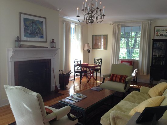 The Castine Inn: Sitting room