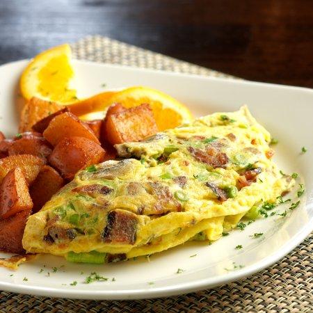 Hotel Abrego: Custom Omelette in Bistro Abrego