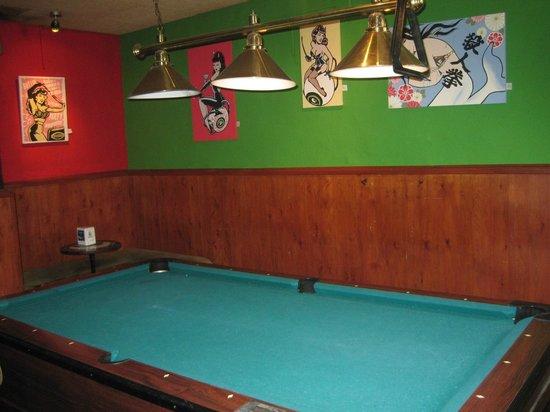 Bar El Otro: Billar y dardos