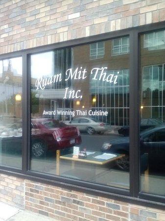 Ruam Mit Thai