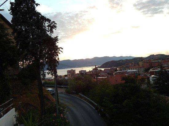 Hotel Italia: Panorama dalla camera