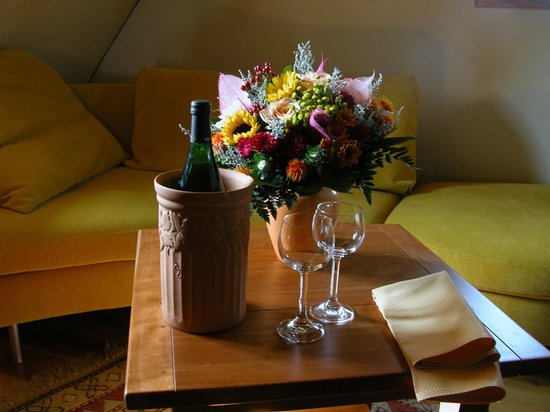 Hotel Klosterstueble: Wine and flowers for our son and daughter-in-law