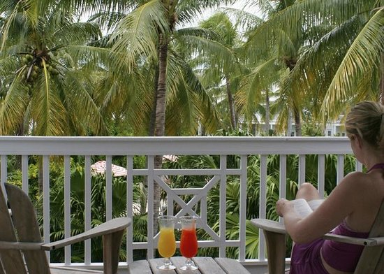 Tranquility Bay Beach House Resort: Master bedroom balcony view from Room 14