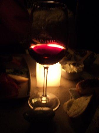 La Cueva: Vinho