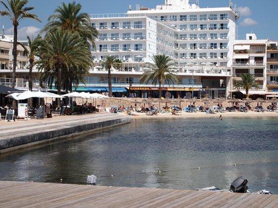 Sunprime Palma Beach : Hotellet set fra bugten