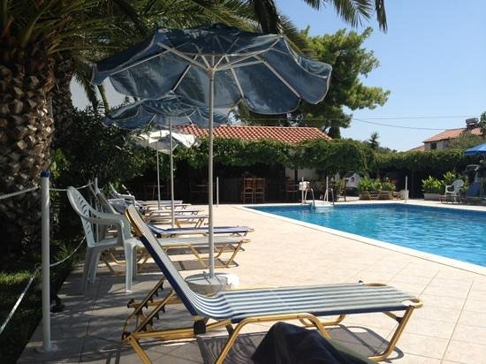 Villa Anna Studios: Lovely pool