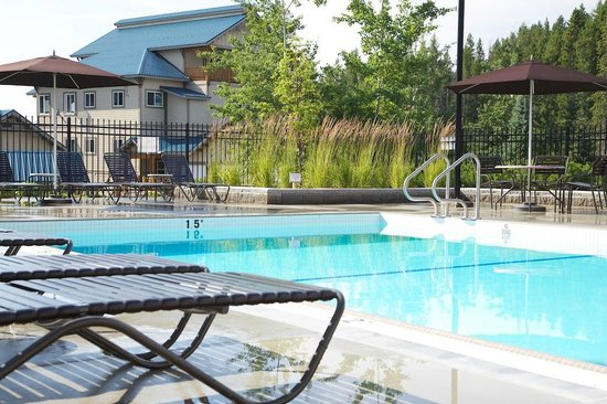 Northstar Mountain Village Resort: Pool Area