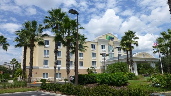 Holiday Inn Express Hotel & Suites New Tampa I-75 Bruce B. Downs : Hotel Frontansicht
