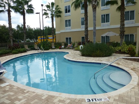 Holiday Inn Express Hotel & Suites New Tampa I-75 Bruce B. Downs: schöner  Poolbeich