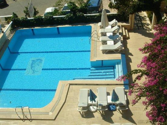 Habesos Hotel : havuz swimming pool