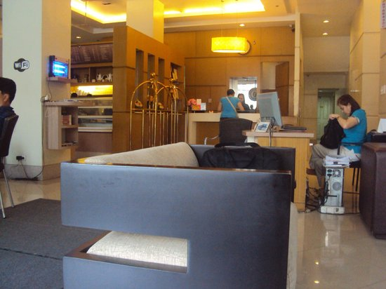 Vieve Hotel : the lobby and reception