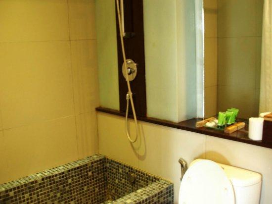Kokonut Suites: Bathroom