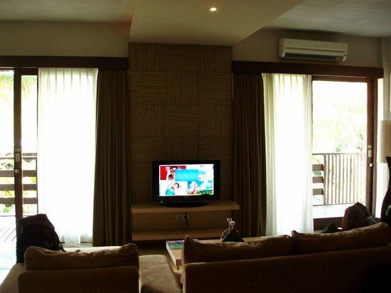 Kokonut Suites: Living Room