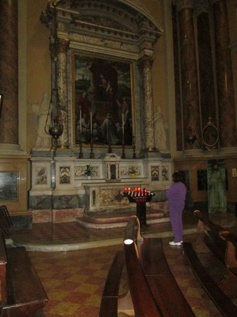 Chiesa Di Santa Maria Immacolata delle Grazie: altar