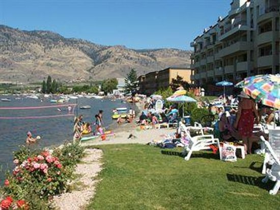 Holiday inn Hotel & Suites Osoyoos: the beach