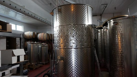 Coffin Ridge Boutique Winery: Wine Brewing Area