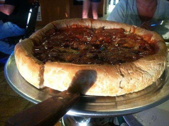 Jonny's Pizza: Chicago Style Deep Dish!!