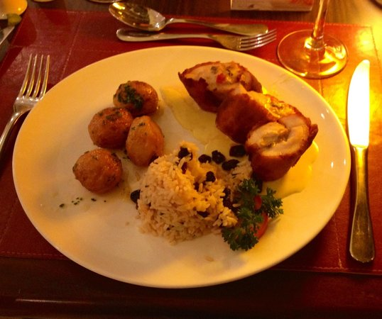 Hotel Deville Prime Cuiabá: Grilled Italian chicken with raisins rice - great gastronomical experience