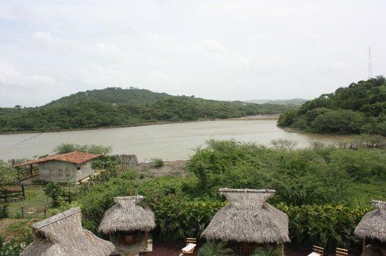 Hotel Popoyo: Rio que passa atrás do hotel