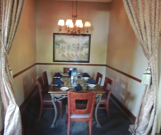 Grandview Tavern: Semi-private nook