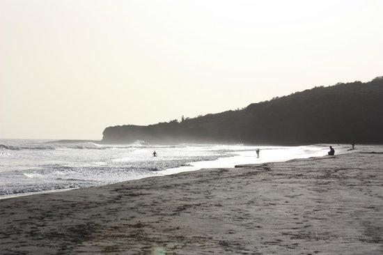 Hotel Popoyo: Praia em frente ao Hotel