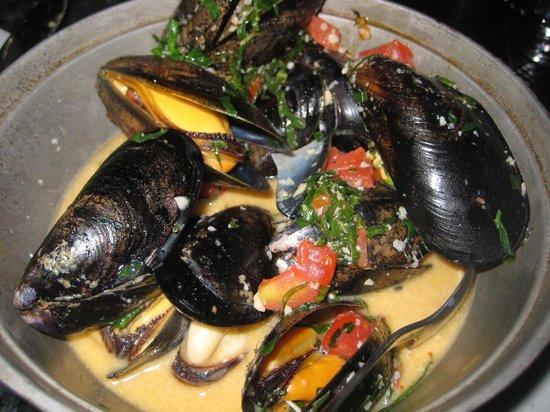Bin 941 Tapas Parlour: Great mussels